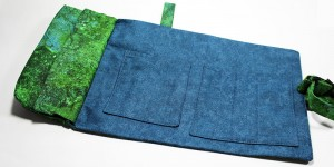 Dark blue and green internal fabrics on Aventurien custom design dice bag