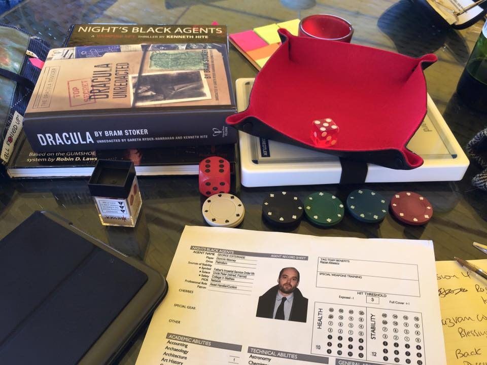 dracula-dossier-folding-dice-tray-all-rolled-up